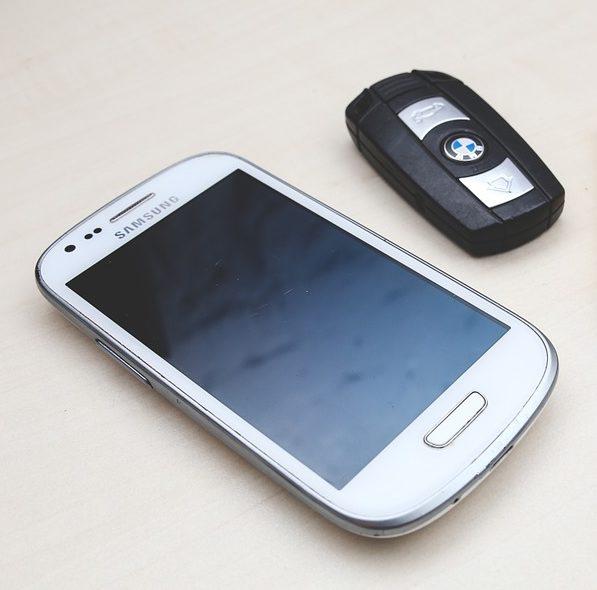 clés, voiture, téléphone, OBDclick