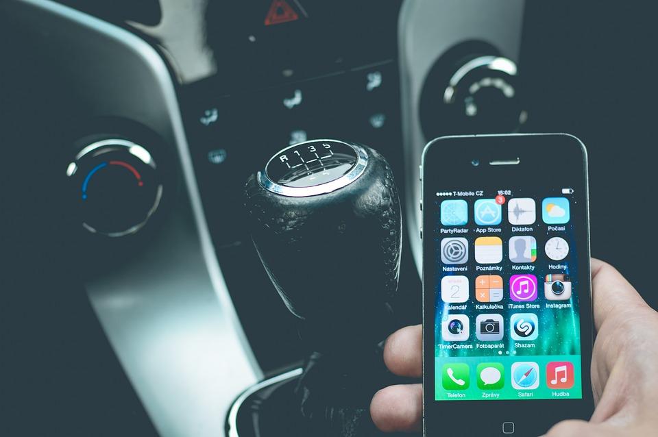 obdclick, smartphone, voiture