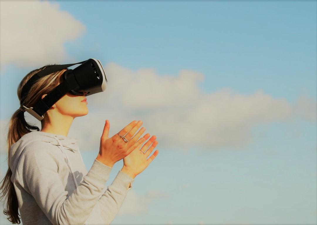 Daniel Sperling; réalité augmentée, industrie du tourisme