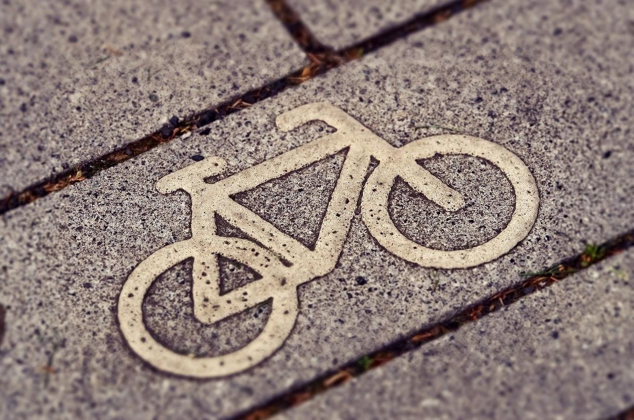 Noa Khamallah indique quelles sont les différences entre une trottinette électrique et un vélo électrique